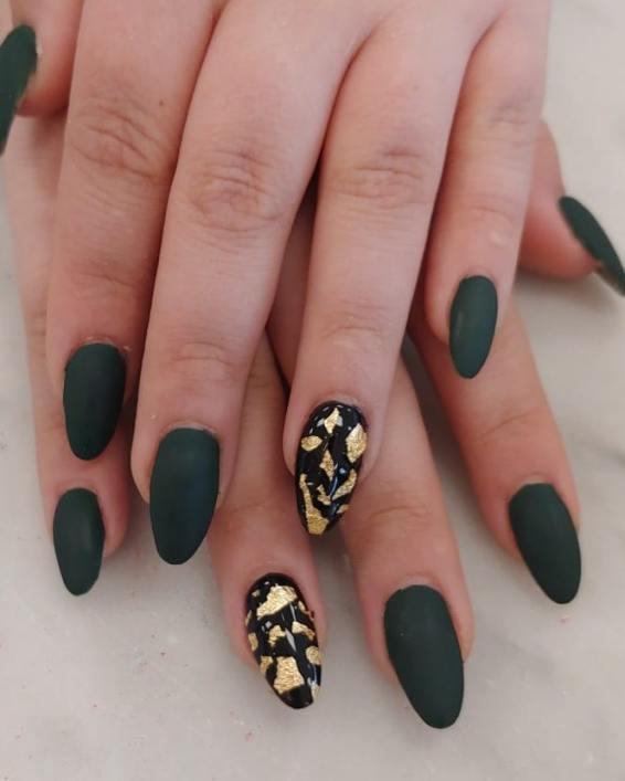 50 Glam Gold Girly Nail Art Looks Ideas 52