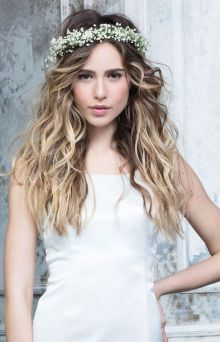 50 Natural Loose Hairstyle Looks for Brides Ideas 23