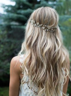 50 Natural Loose Hairstyle Looks for Brides Ideas 26