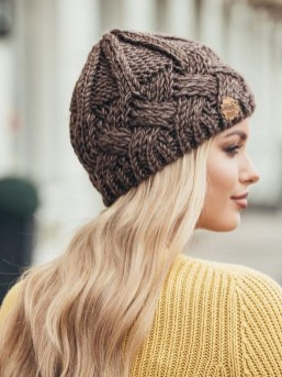 30 Best Warm Winter Hats for Women08