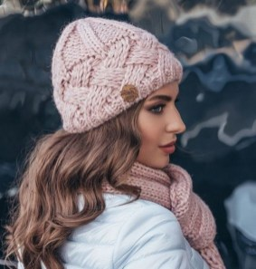 30 Best Warm Winter Hats for Women15