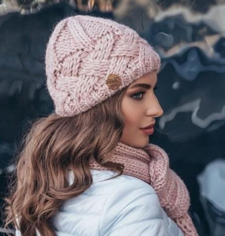 30 Best Warm Winter Hats for Women15