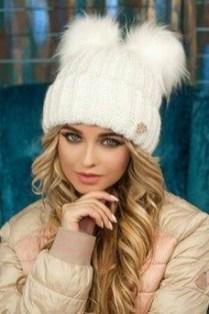 30 Best Warm Winter Hats for Women16