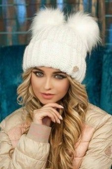 30 Best Warm Winter Hats for Women16