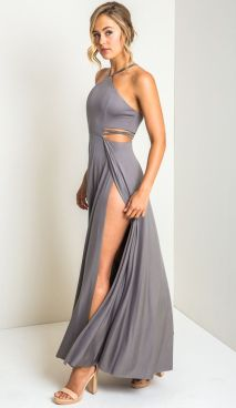 30 Inspiration for a sleeveless long dress outfit to appear feminine and trendy 30