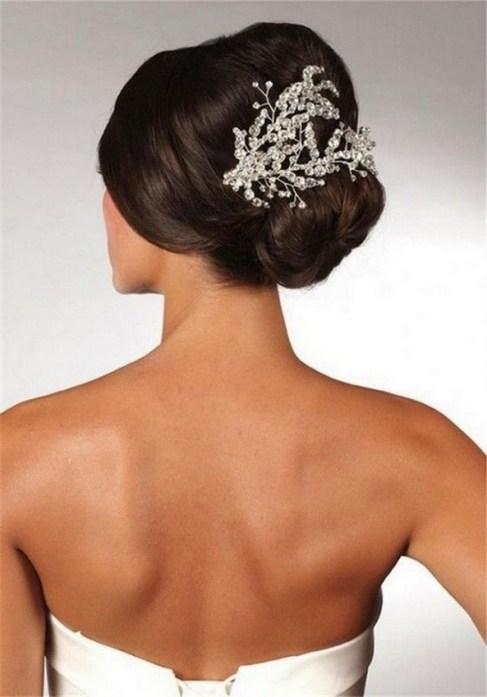 40 How Elegant Wedding Hair Accessories Ideas 01