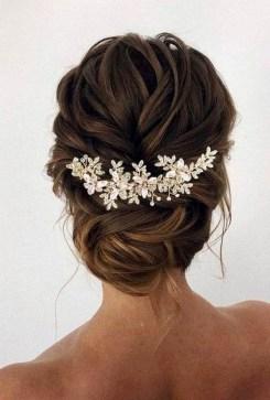 40 How Elegant Wedding Hair Accessories Ideas 10