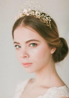 40 How Elegant Wedding Hair Accessories Ideas 11