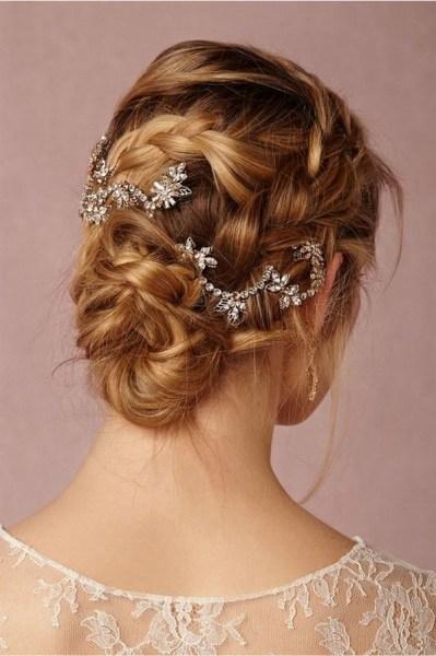 40 How Elegant Wedding Hair Accessories Ideas 22