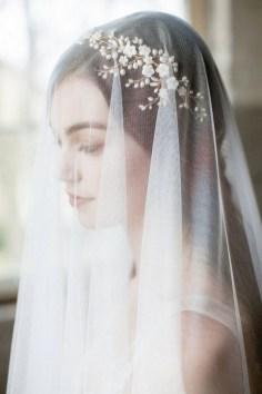 40 How Elegant Wedding Hair Accessories Ideas 23