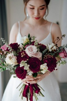 Best Romantic Peony Wedding Bouquet Inspiration 22
