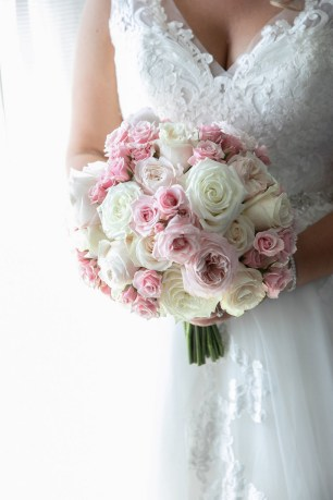 Best Romantic Peony Wedding Bouquet Inspiration 32