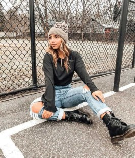 Aesthetic Outfits Ideas for Women stylish 25