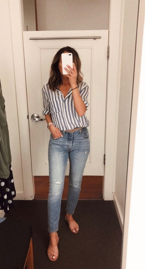 How To Style Casual Spring Outfits for Women 23