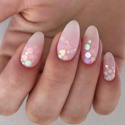 Inspiring Almond Shaped Nail for Girls 03