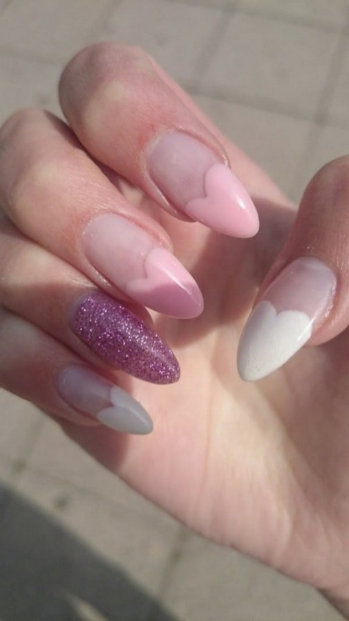 Inspiring Almond Shaped Nail for Girls 16