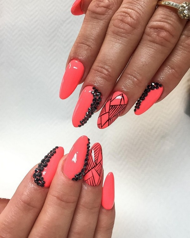 Inspiring Almond Shaped Nail for Girls 22