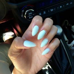 Inspiring Almond Shaped Nail for Girls 24