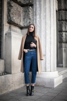 Mom Jeans Outfits Ideas for 2021 02