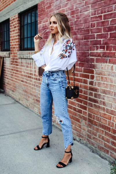 Mom Jeans Outfits Ideas for 2021 37