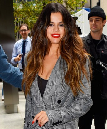 20 Long Wavy Hairstyles The Envy of Most Women 20