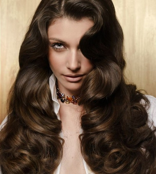 20 Long Wavy Hairstyles The Envy of Most Women 27