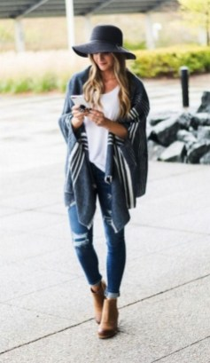 30 Fashionable Fall Outfits This Year 16