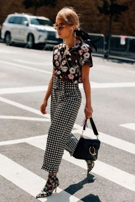 30 Fashionable Fall Outfits This Year 17