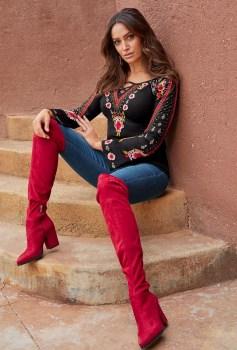 30 Stylish fall boots women outfit ideas 01