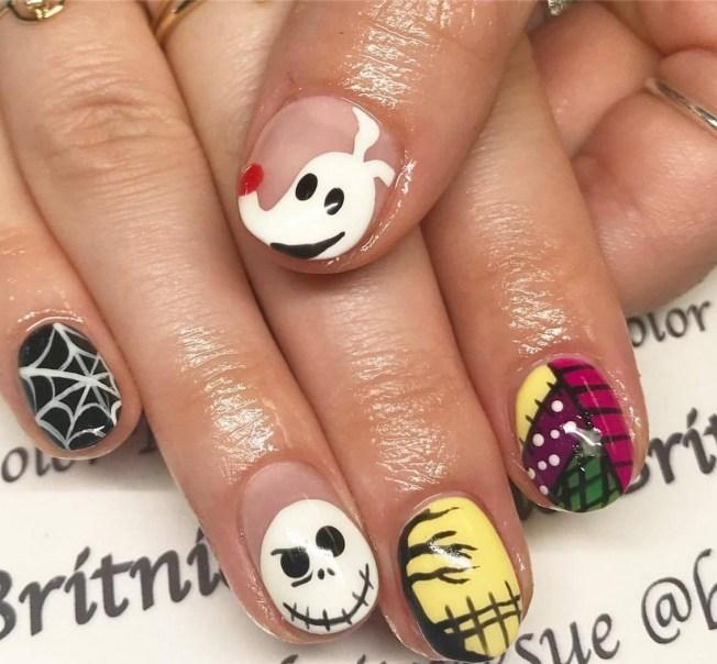 50 Cute Halloween Nail Art You Will Love 09