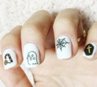 50 Cute Halloween Nail Art You Will Love 22