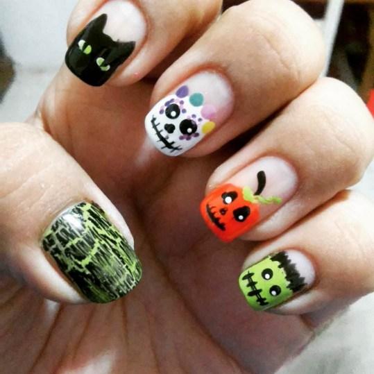 50 Cute Halloween Nail Art You Will Love 24