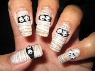 50 Cute Halloween Nail Art You Will Love 35