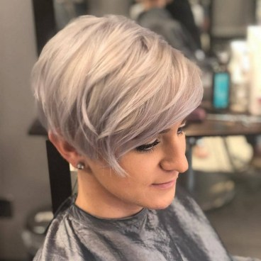 60 Dare to be Sexy with Short Hairstyle Look 22