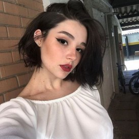 60 Dare to be Sexy with Short Hairstyle Look 44