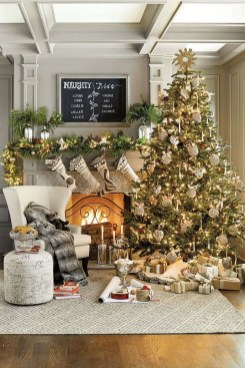 70 Catchy Silver and Gold Christmas Trees Decor You Need to See 31