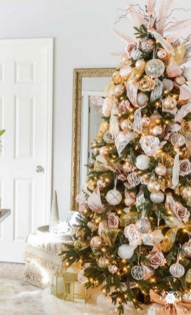 70 Catchy Silver and Gold Christmas Trees Decor You Need to See 43