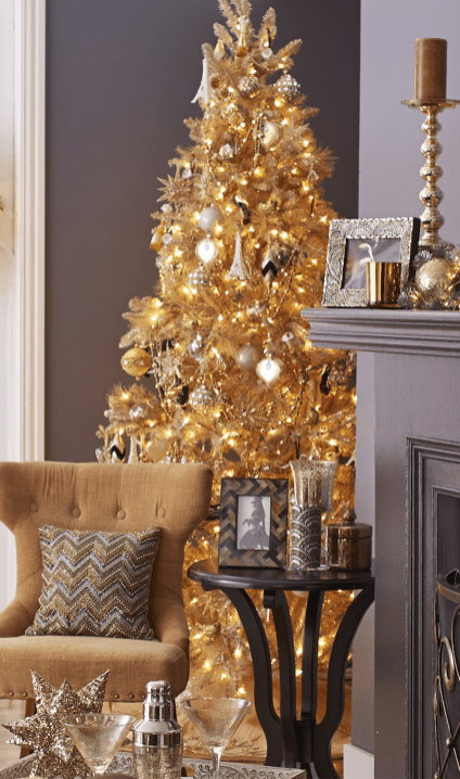 70 Catchy Silver and Gold Christmas Trees Decor You Need to See 78