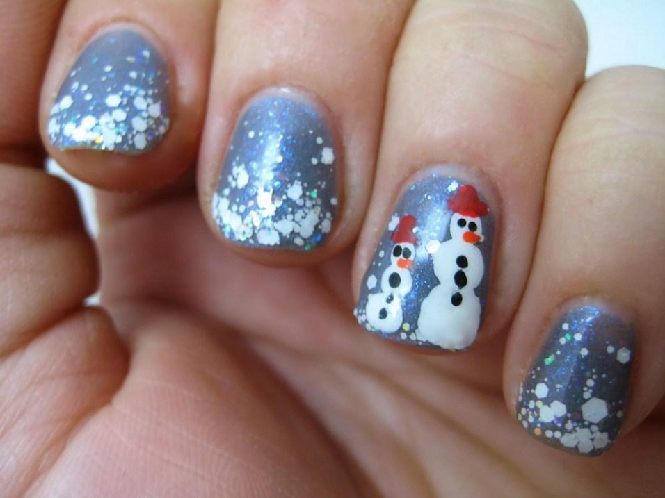 25 Fun Winter Nail Design Ideas 02