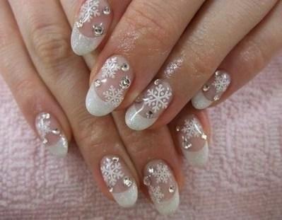 25 Fun Winter Nail Design Ideas 03