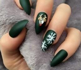 25 Fun Winter Nail Design Ideas 24