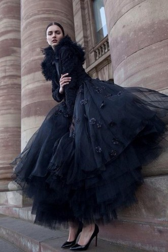 40 Simple Glam Black Tulle Skirt Outfits Ideas 46