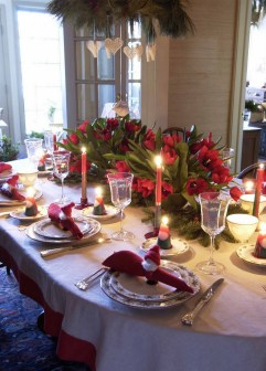 50 How to Arrange a Dining Table for Christmas Occasion 18