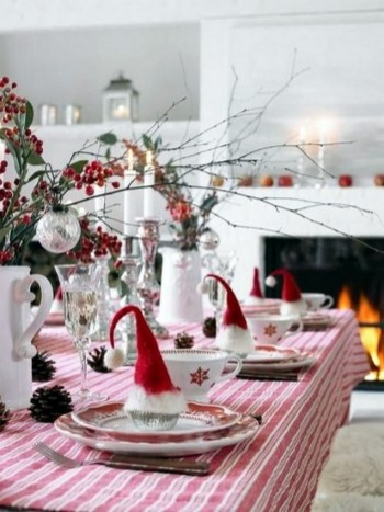 50 How to Arrange a Dining Table for Christmas Occasion 28