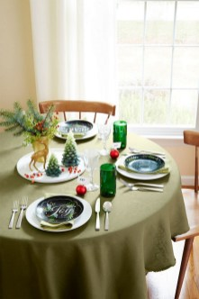 50 How to Arrange a Dining Table for Christmas Occasion 37