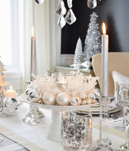 50 How to Arrange a Dining Table for Christmas Occasion 43