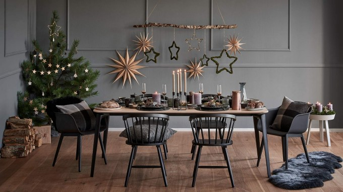 50 How to Arrange a Dining Table for Christmas Occasion 9