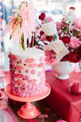50 Romantic Valentines Party Decoration You Need to See 27