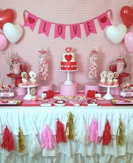 50 Romantic Valentines Party Decoration You Need to See 42