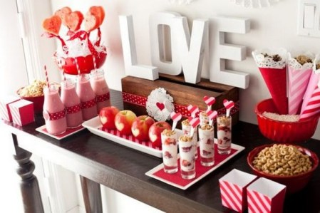 50 Romantic Valentines Party Decoration You Need to See 8